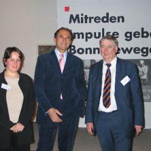 Für Europa - Vural Öger  mit Wilfried Kuckelkorn MdEP und der Bonner Europakandidatin Nicole Groß