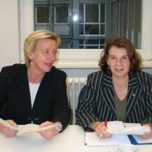 von links nach rechts: Doro Paß-Weingartz und Barbara König