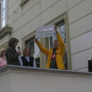 Scheckübergabe an den Förderverein der Paul-Klee-Schule