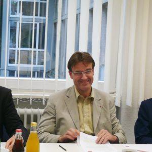 Ernesto Harder, Vorsitzender der Bonner SPD, Wilfried Klein, Vorsitzender der SPD-Fraktion im Rat der Stadt Bonn und Jürgen Nimptsch, Oberbürgermeisterkandidat der SPD